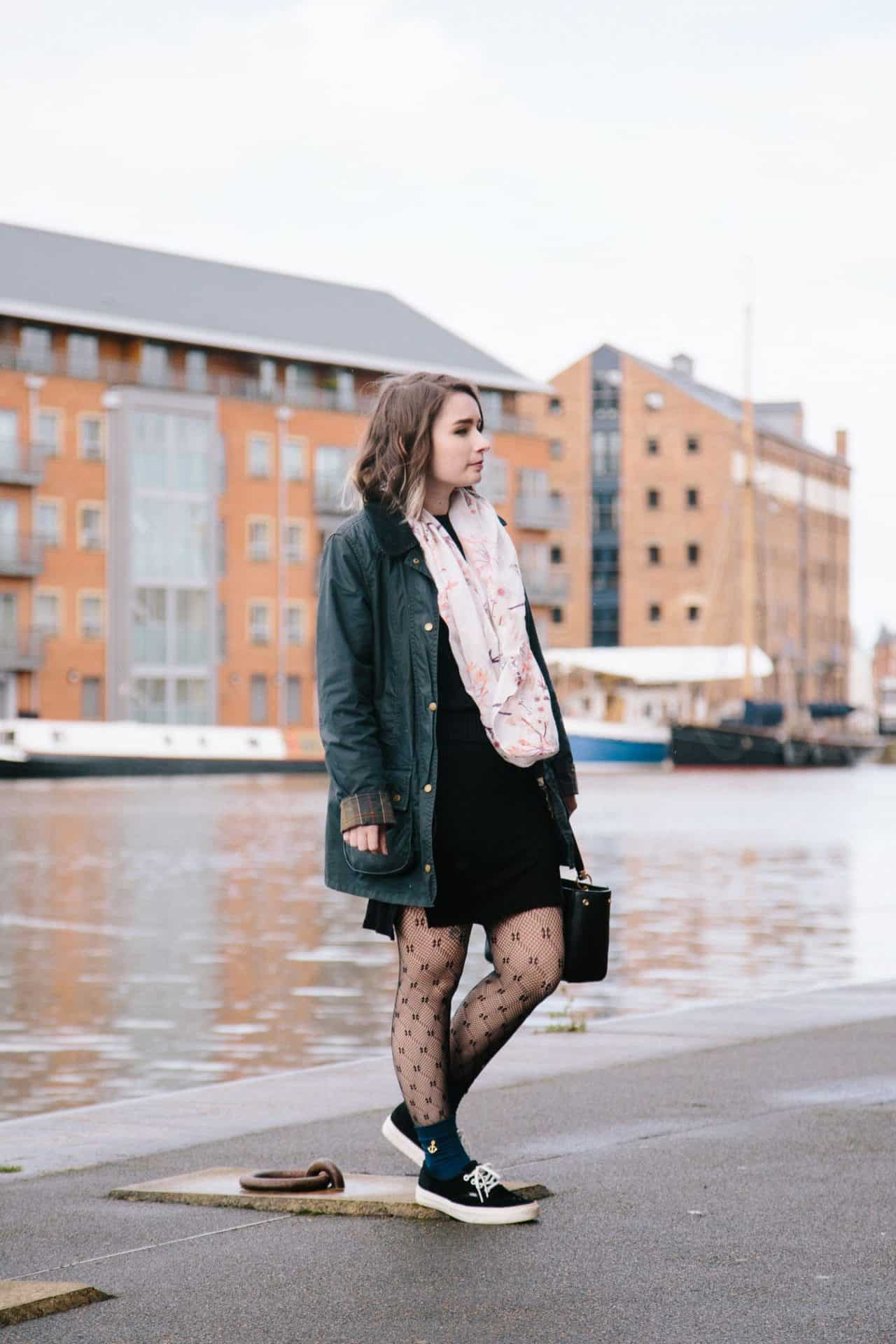 styling fishnet tights trend