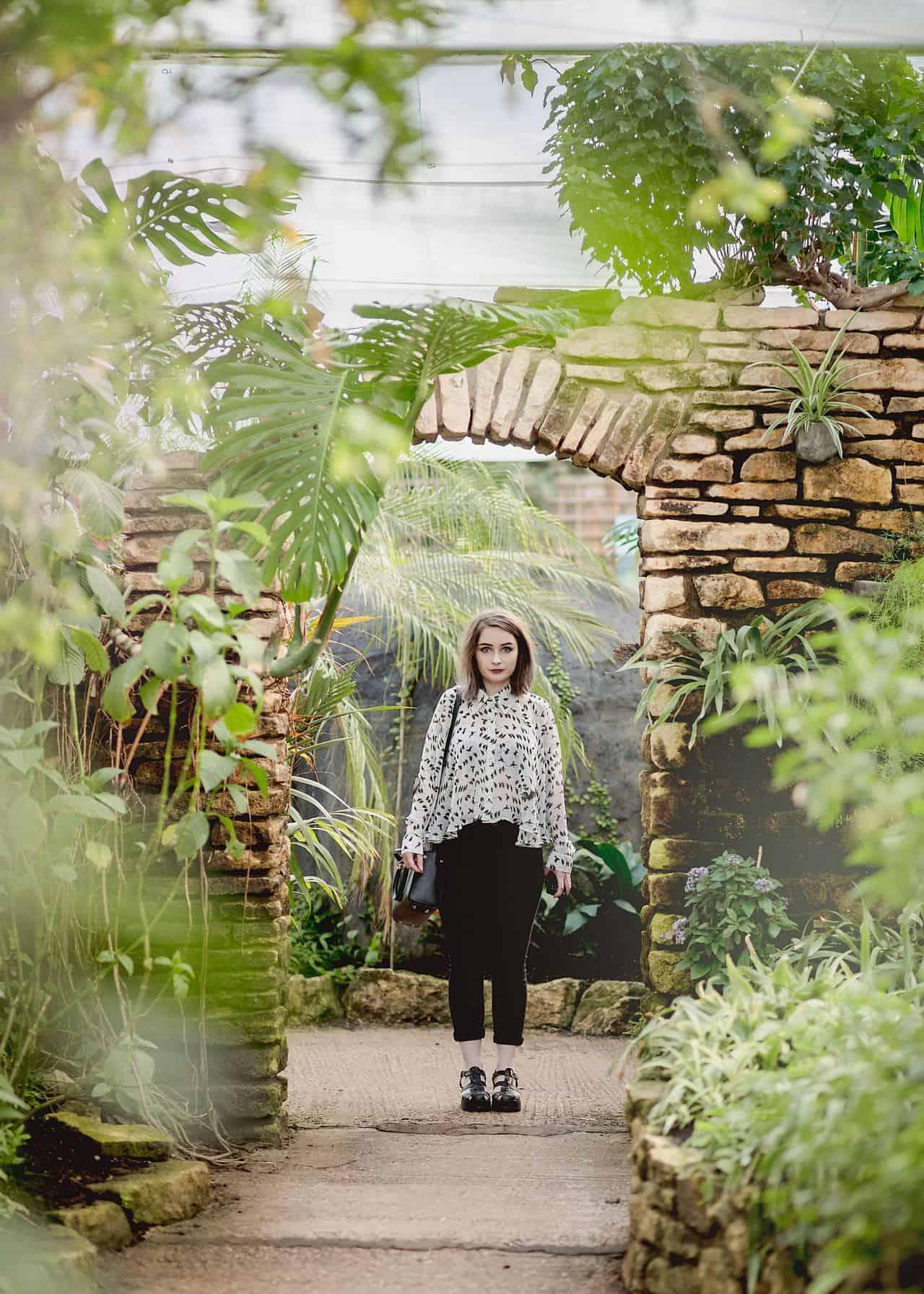 monochrome outfit stratford upon avon
