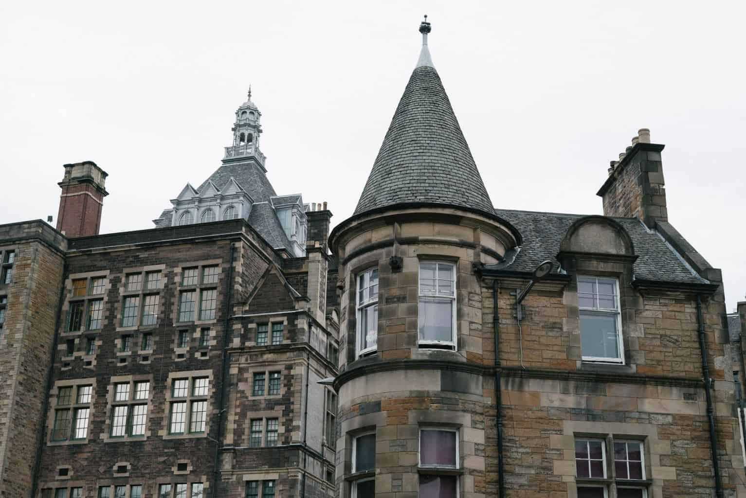 edinburgh-uk-travel-blogger